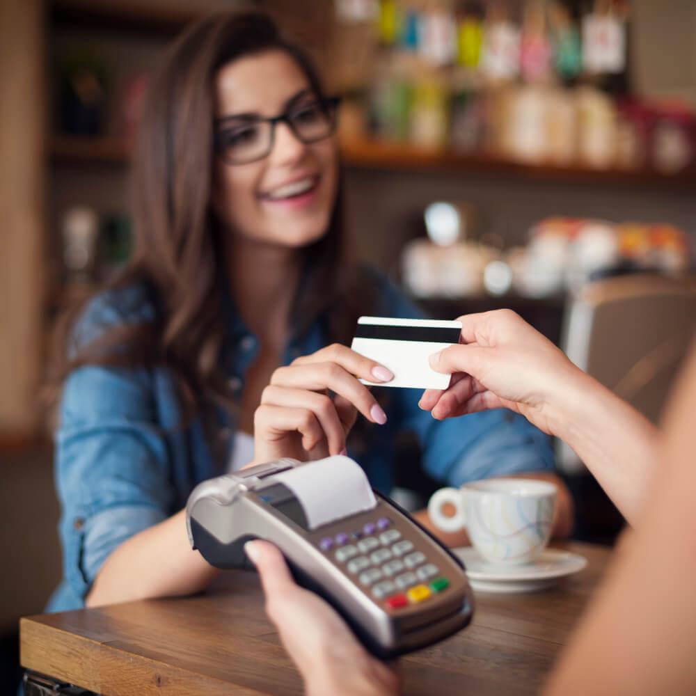 aumento-dos-pagamentos-com-cartoes-entenda-os-impactos.jpeg